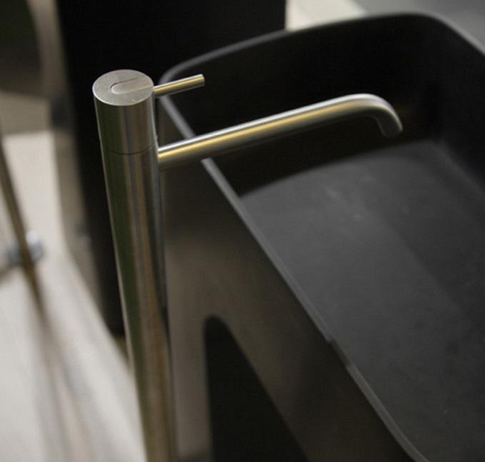 Смеситель Antonio Lupi Ayati AY902SA для раковины напольный, цвет неполированная сталь